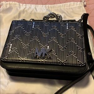 848649462d730e Michael Kors Bags - Michael Kors Mott large metallic Deco leather